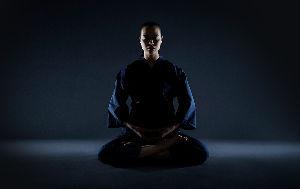 7806 - (株)MTG 「動(どう)」から「静(じょう)」へ。 身体と心のバランスから 健康を支える、ZENROOM。  1
