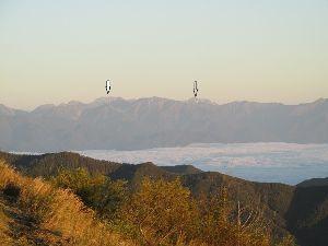 ∞少年少女∞ ∞立山・劔も∞  美ヶ原からは 立山・劔も見えてましたんよ  左の台形の山が