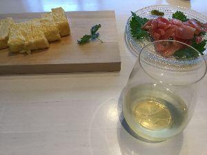 7261 - マツダ(株) 銀ちゃん、朝からワインを楽しむ。 働き盛りのミドルエイジであれば 日曜の朝の美食美酒は人生を楽しむ醍