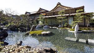 1802 - (株)大林組 謹んで新春のお慶びを申し上げます。   大林組は、伏見稲荷大社の社務所、授与所施工実績あります。