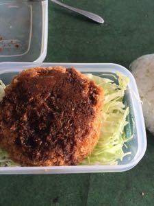 株の大勝会(会員制) 朝食べた 白米にきゅうちゃん?(キュウリの醤油の漬物) とごま油と醤油かけた卵ご飯の方が美味しい( ̄