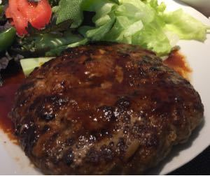 株の大勝会(会員制) すき焼きのタレは秀逸だろー^_^ 甘め系の炒め物に良いし、煮物も良し。 しっかし野菜ジュースだけでは