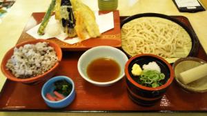 立ちスレ「立ち話のスレッド(^_^)」 今日は大阪北部のスーパー銭湯に 行ってきました。  昼ごはんは多すぎ(  ・᷄ὢ・᷅  )