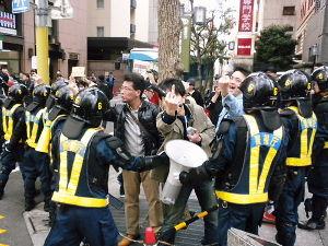 ☆在日特権とはなんぞや?☆ 在日が強制連行されて日本に住まなくてはならなくなったと言うのは、真っ赤な嘘だ。やつらは朝鮮戦争や戦前