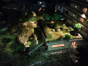 8411 - (株)みずほフィナンシャルグループ 空中庭園が綺麗だぇ