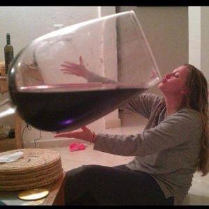 8306 - (株)三菱UFJフィナンシャル・グループ 家でワインを飲んでいるよ。わーいんだ。(ダジャレ) www