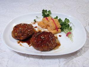 変かもしれないけど美味しい料理 [ 鶏つくねの照り焼き ]  鶏ひき肉は、鶏もも肉をフードプロセッサーのすり身の設定を活用して作りま