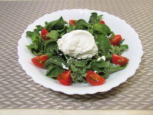 変かもしれないけど美味しい料理 [ 氷菜とフレッシュチーズのサラダ ]  アイスプラントとフレッシュチーズのサラダを作りました。