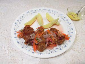 変かもしれないけど美味しい料理 [ 豚南蛮 ]  宮崎名物『鶏南蛮』を豚肉でしてみました。  タレに浸け置きした豚肉に片栗粉をまぶし
