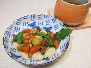 変かもしれないけど美味しい料理  [ ピティ・カレー・ニョッキ ]  コーカサス風壺スープのピティをカレールーを入れ、ニョッキにかけ