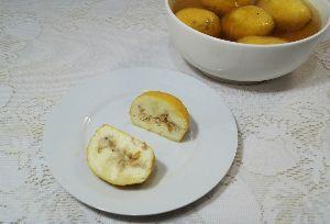 変かもしれないけど美味しい料理 [ ベンガル風フレッシュチーズ・ボール ]  フレッシュチーズを丸めて茹でるベンガルのスイーツをお手
