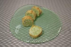 変かもしれないけど美味しい料理  [ 豆しとぎ(枝豆と米粉)のプティロール ]  南部地方の伝統的スイーツ『豆しとぎ』を、米粉の割合