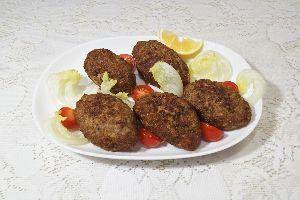 変かもしれないけど美味しい料理 [ ブラジル風キビー(クロケット) ]  キビーはレバノン料理で、牛肉挽肉、挽き割り加熱小麦(ブルグ