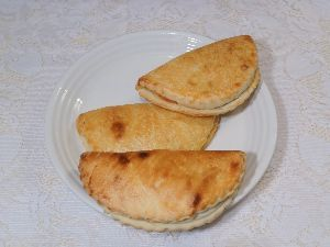 変かもしれないけど美味しい料理 [ ソチニキ(ロシア風フレッシュチーズ・ペイストリー) ]    ソチニキはロシア風の素朴なペイスト