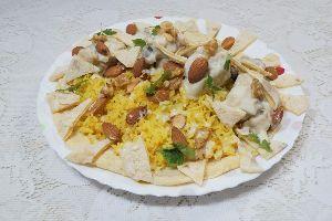 変かもしれないけど美味しい料理 [ チキン・マンサフ ]  ライスはタイの香り米(ジャスミンライス)をバター、カルダモン、サフランの