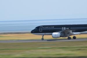 9206 - (株)スターフライヤー 9月の月次出ましたね。那覇便の搭乗率は良くない、関空の影響出てますが、ANAの787問題で福岡-中部