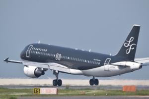 9206 - (株)スターフライヤー ゴールデンウィークの堅調ぶりに、欠航も無し。国際線の搭乗率が今日から下がるところを、モニターキャンペ