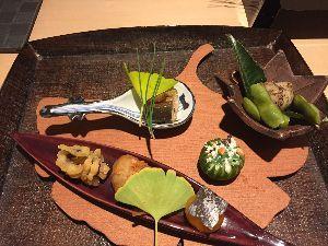 物を捨てて シンプルを目指すには~☆ 体調イマイチながらも 明日から京都に行っきます😅 毎年恒例の美味しいお店へ  旦那と二人ですが 京都