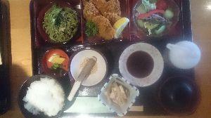 ●・見たい?見せたい? ゆうさん  こんばんは  月1回、外食  猪みそかつ御膳=1480円  高い、高い、財布👛空っぽ