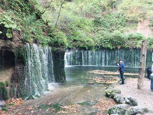 耶馬渓MC倶楽部(やばけいMCくらぶ) 軽井沢の白糸の滝 人がいなければなあ。