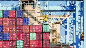 9101 - 日本郵船(株) 北米SC更改 荷主 スペース確保最優先 日本発運賃 昨年比2倍超  ・空前の荷動きで北米航路の需給逼