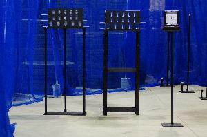 APS競技(エアーガン) 練習場は大分 形になりました プレート競技的1号は1cmのピンのみw プレート競技2号機は的はアルミ