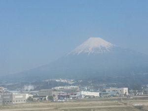 イッチョカミ・サヤとジョニーのloveroom 雪の富士山が観られたよ(^-^)🎵  やっぱり富士は日本一の山ですね~>^_^<