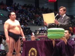 いろいろなスポーツについてのひとりごと。 ここで何度かコメントをした大相撲。明日で今年最後の九州場所が終わるわけですが、相撲協会の&ldquo