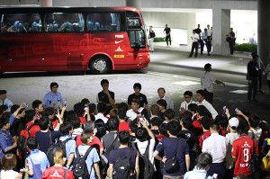 いろいろなスポーツについてのひとりごと。 日本らしくないし、そんなことまでするか? と思わせたのは、昨日のサッカーJリーグの浦和レッズサポータ