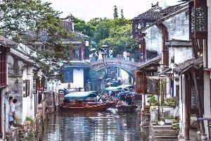 (*^^)ゆっくり、のんびり、マイペース♪ カラッと晴れてペンキ塗りもすぐ乾いて快調です~~(*^ー^*)☆  苏州 Suzhou(sūzhōu