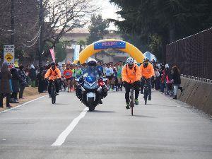 奥多摩発・山を駆けるトピ <フロストバイト・ロードレース> 今年初の大会になる横田基地でのフロストバイト・ロードレースに 出て