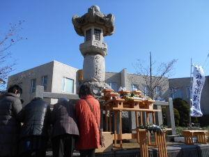 昭和11年生まれの方 朝方まで  降っていた雨があがり  カラッといいお天気になりました。  秋葉灯籠のお祭りです  風が