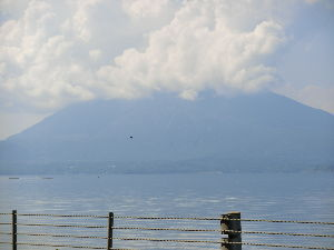 昭和11年生まれの方     ~~朝は霧雨 ・・・・ これから暫くよか天気らしい~~        遊びに走りたいがあ~~