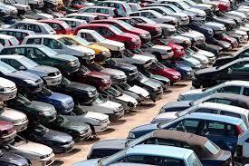 6871 - (株)日本マイクロニクス  工場隣に増設した社員専用駐車場は、廃車で満杯。← ゴミダメ