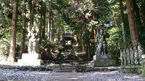 山口よりトコトコ走り隊 国東半島のど真ん中に有る国宝?両子寺の仁王像、迫力あります!