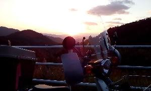 山口よりトコトコ走り隊 今年も恒例の初日の出ツーを敢行!!(´ー`A;) アセアセ お日様が大きくて上手く取れま