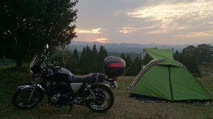 山口よりトコトコ走り隊 南小国の絶景キャンプ場に行って来ました、一泊2500円と少々高目ですが、夕日スポットはベストやし、阿