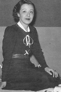 芸能人の名前で しりとり 岡田 嘉子(おかだ よしこ)  日本の女優、アナウンサー。 大正から昭和初期にかけて、サイレント映画