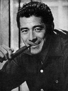 芸能人の名前で しりとり 三船 敏郎(みふね としろう1920年 - 1997年)  俳優・映画監督 中国・青島市の生まれで、