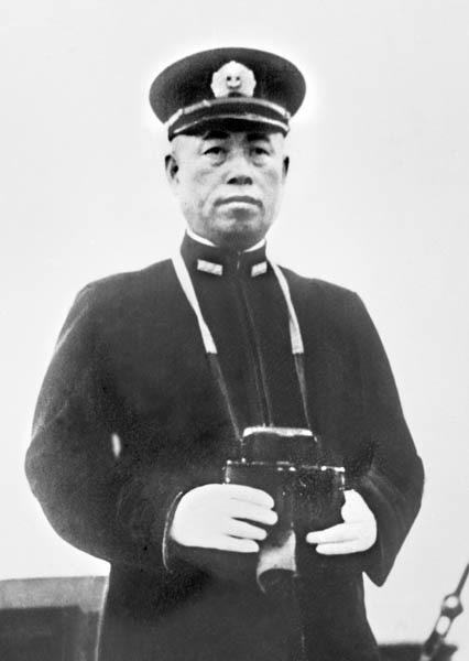 2370 - (株)メディネット カッケ防止の海軍カレーじゃ!
