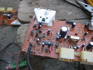 サンバートラック 何とかなるように修理しました ラジオのつまみがうまくつきません。