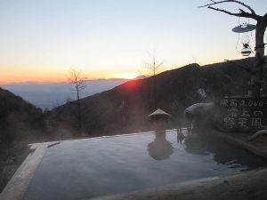 温泉へ行こう!! はじめまして。書き込みありがとうございます!  高峰温泉は標高2000mのところにあり、露天風呂から