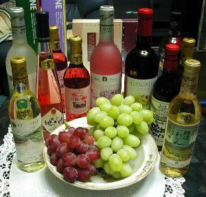 40代、みんなで青春しよっ! 今年もフルーティーで美味しいワインが飲みたいわ(^_^)/▼