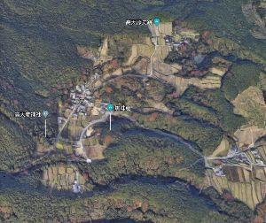 卑弥呼は初代皇后であった 大和盆地最上座の高天原にある日本最古の神社の境内にある、 奴婢(土蜘蛛)が埋葬されている径百余歩の塚