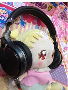 4816 - 東映アニメーション(株) ルールー このヘッドホンは私たちの新曲もライブ感で聴けます! 詳しくはJVCケンウッド直売サイトまで
