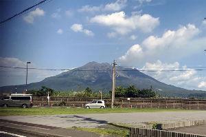 CRのガレージ こんな暑いのにバィクに乗るなんて 気がしれん!とは言いつつ クーラーの無いジムニーで鹿児島市内に行っ