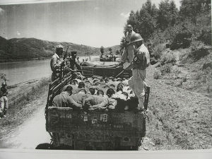 自民党は創価公明党と手を切るべき 1951年韓国保導連盟事件  住民30万人以上が韓国軍により虐殺された。  命からがら数十万人の韓国