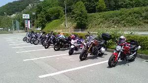 何となくツーな気分(一宮・岐阜辺り) 5月最後の日曜日に、11台で「せせらぎ街道」へ行って来ました。  神戸や大阪・京都からも参加されてま