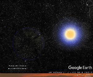 宇宙のひもを発見! まぶしい星の脇にうっすらと縁取られた見えない星がある気がする