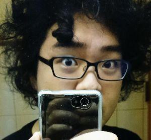 我らが落合フクシを応援しよう^^ 湿気のせいで俺の前髪の一部がベルサイユよろしくなドリル巻き髪になっている pic.twitter.c